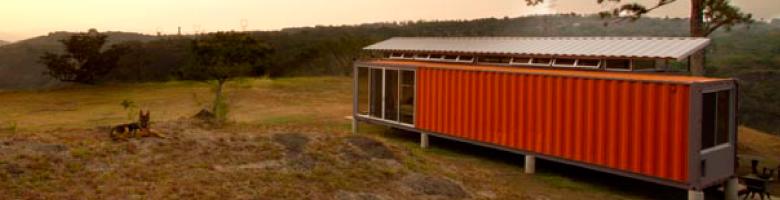Containers of hope, una vivienda hecha con dos contenedores reciclados